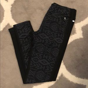 NWOT Slimming Print Aztec Yoga Leggings  Small